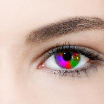 Falscher Umgang mit Motiv-Kontaktlinsen gefährdet die Augengesundheit – nicht nur zu Karneval. Ein paar Tipps vom Kontaktlinsenexperten helfen. (Foto: fotolia/Jürgen Fälchle)