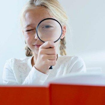 Bei Avermann Contactlinsen erkennen Experten auch frühe Anzeichen für Kurzsichtigkeit bei Kindern.
