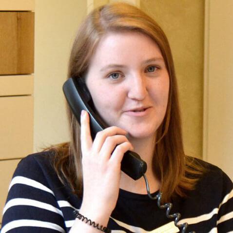 Nadine Wagner Servicemitarbeiterin bei Avermann Kontaktlinsen