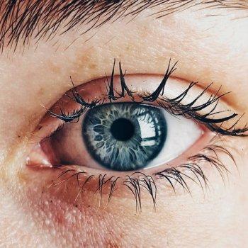 Anpassung von Kontaktlinsen