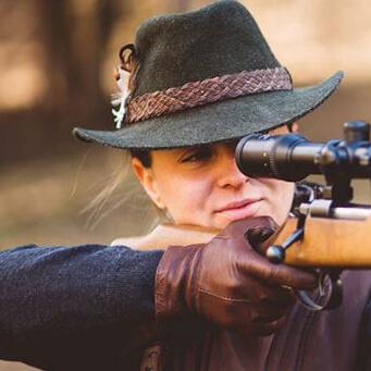 Kontaktlinsen-Komfort trotz Augenverletzung auch bei der Jagd