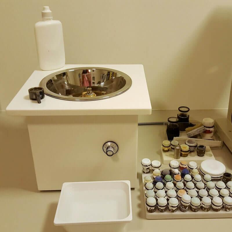Avermann Kontaktlinsen reinigen und polieren lassen