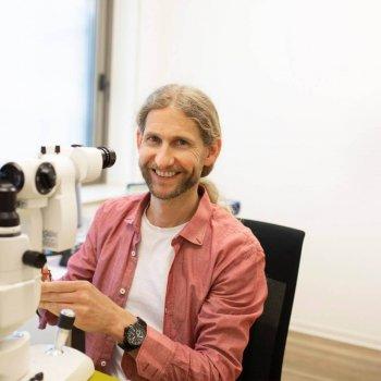 Untersuchung Kontaktlinsenanpassung - Marcel Reischl